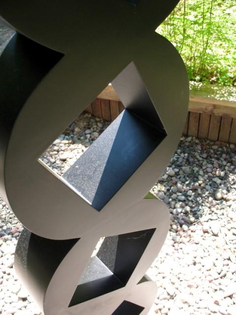 sculpture column